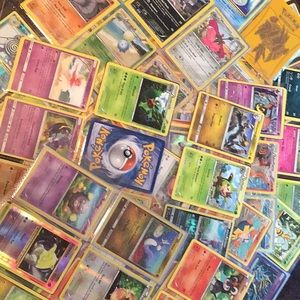 Huge Pokémon lot 11 pages back and front cards